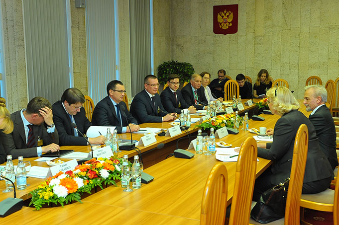 President Dr. Nairizi with Russian Delegation
